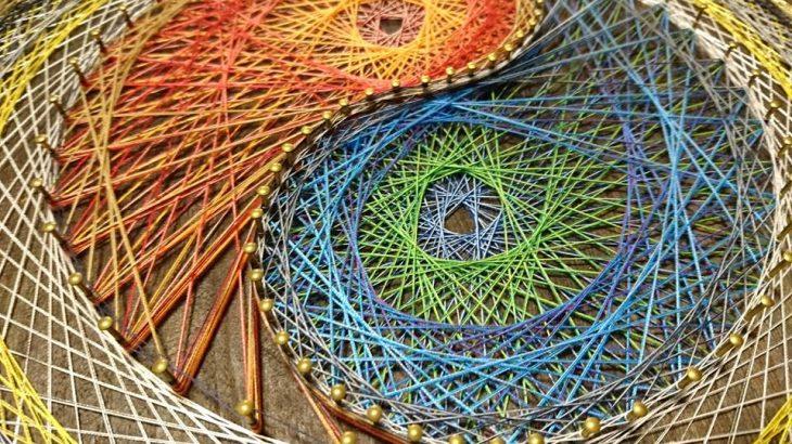 魚座の満月に陰陽模様の糸掛け曼荼羅完成♡